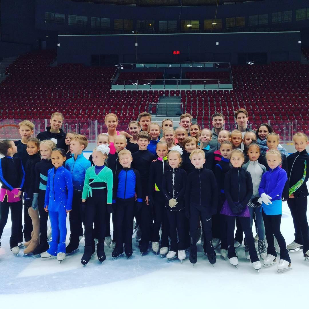 Группа Мишина - СДЮСШОР «Звёздный лёд» (Санкт-Петербург) - Страница 28 DIpX-vIVAAAo4J3