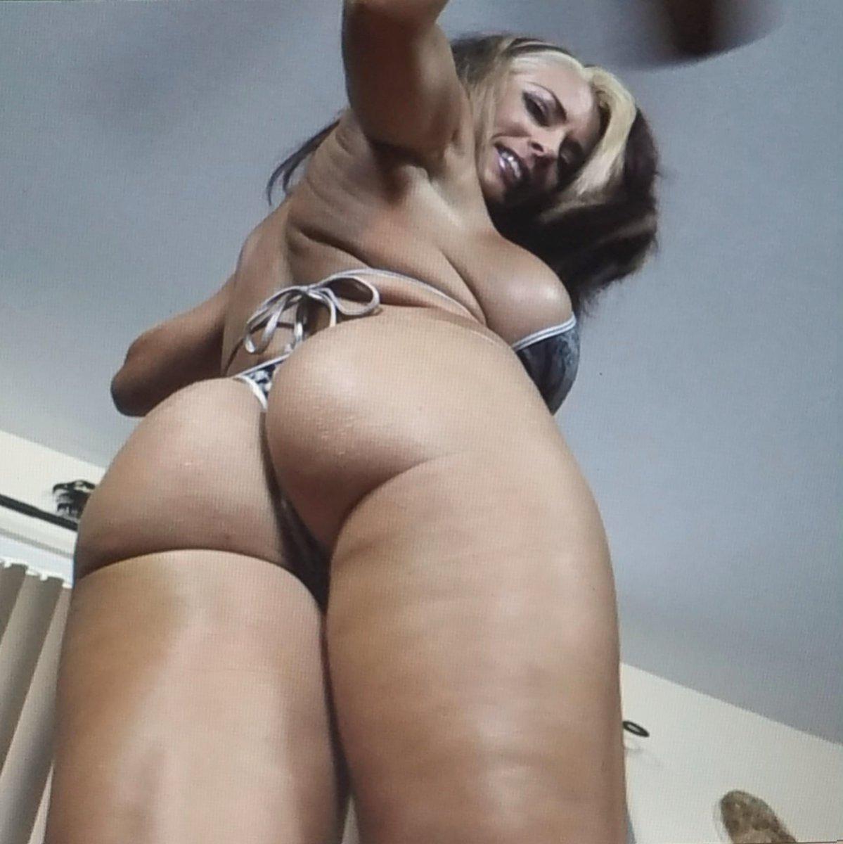 Paula Meronek Bikini