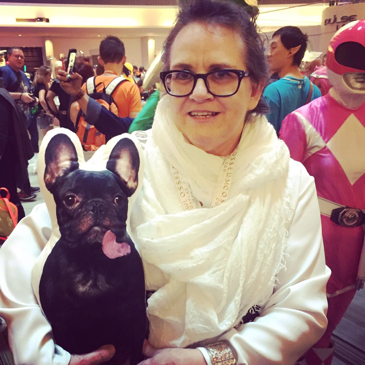 Carrie and Gary Fisher Cosplay. #dragoncon #starwars https://t.co/ulfOv737Ys