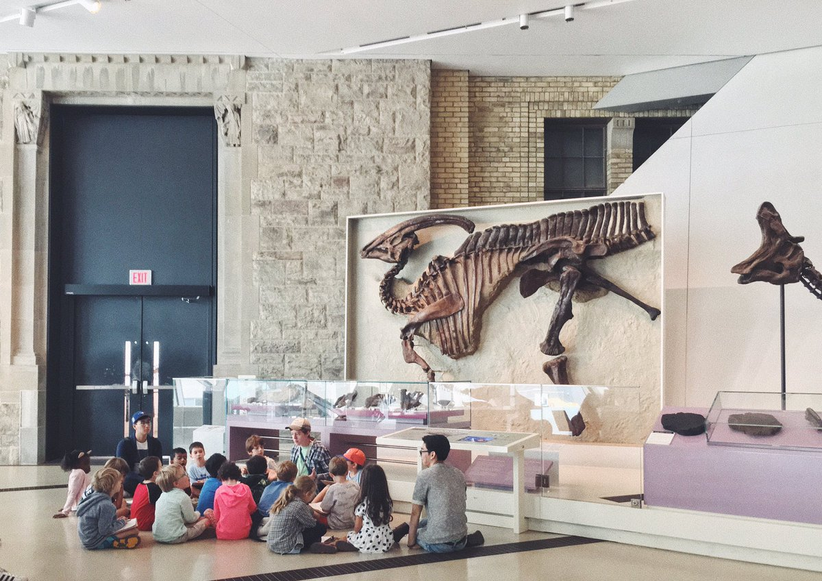 Great to see my guy @bone_sharpe  teach his first full lesson today- the history of palaeo art! #scicomm #sciart #museumed #summerclub75 <br>http://pic.twitter.com/SWiwQ8bRJ5 &ndash; à Royal Ontario Museum