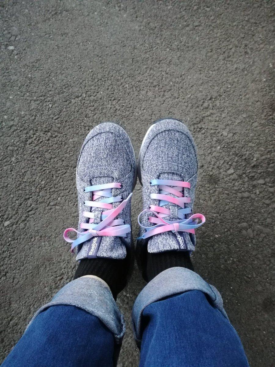 test ツイッターメディア - U色の、靴ひも❤️ 行ってきます‼️ #seria ゴムひも仕様で、便利 https://t.co/cwnzq26ufK