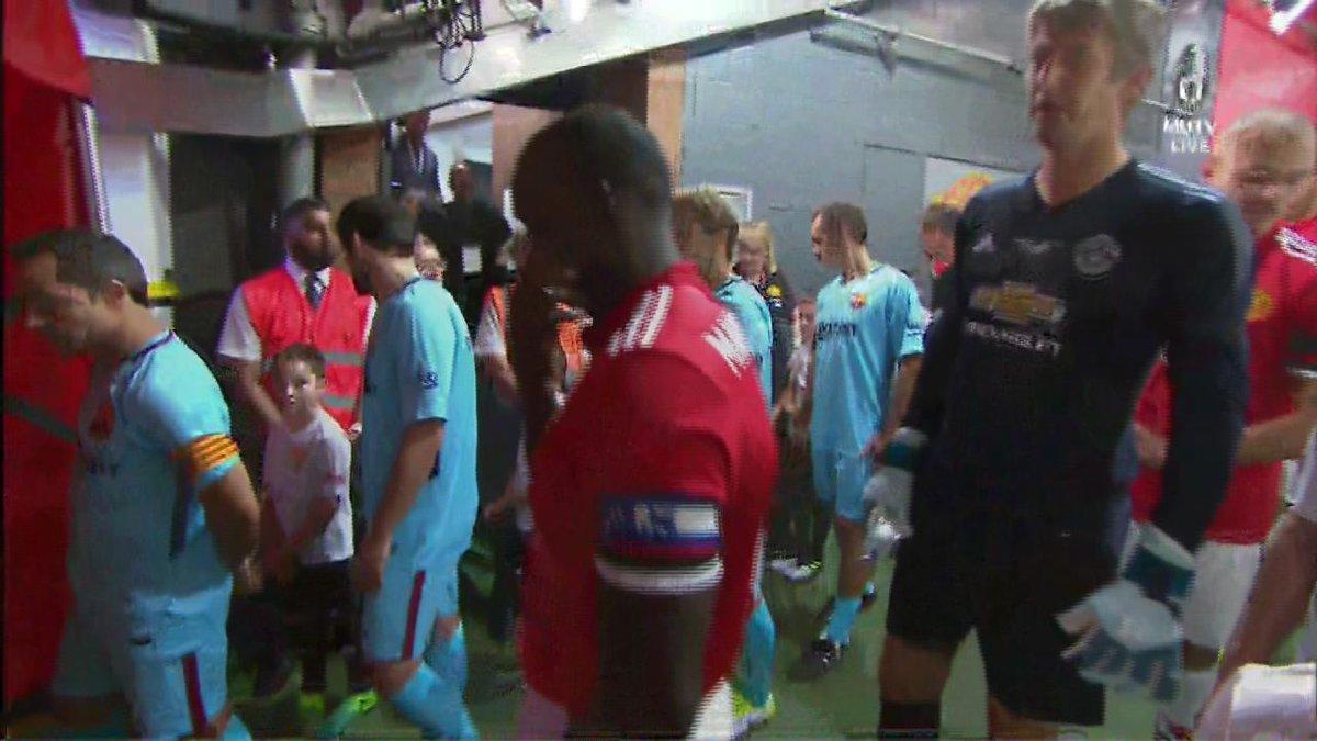 Here come the teams... #LegendsAreBack #MUFC