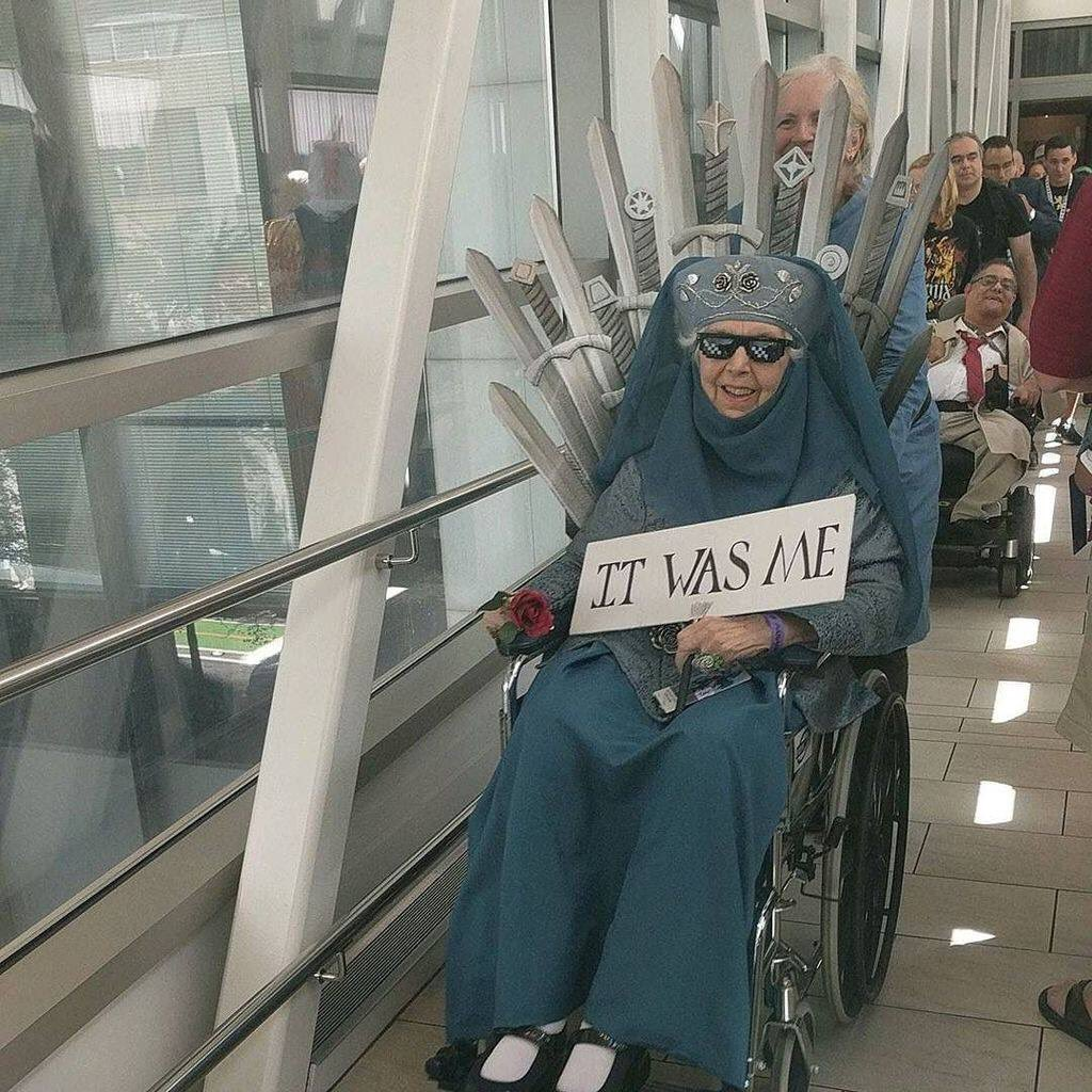 Goals: This 85 year old at #DragonCon17. Cosplay for life! https://t.co/jsgfdhEBnU