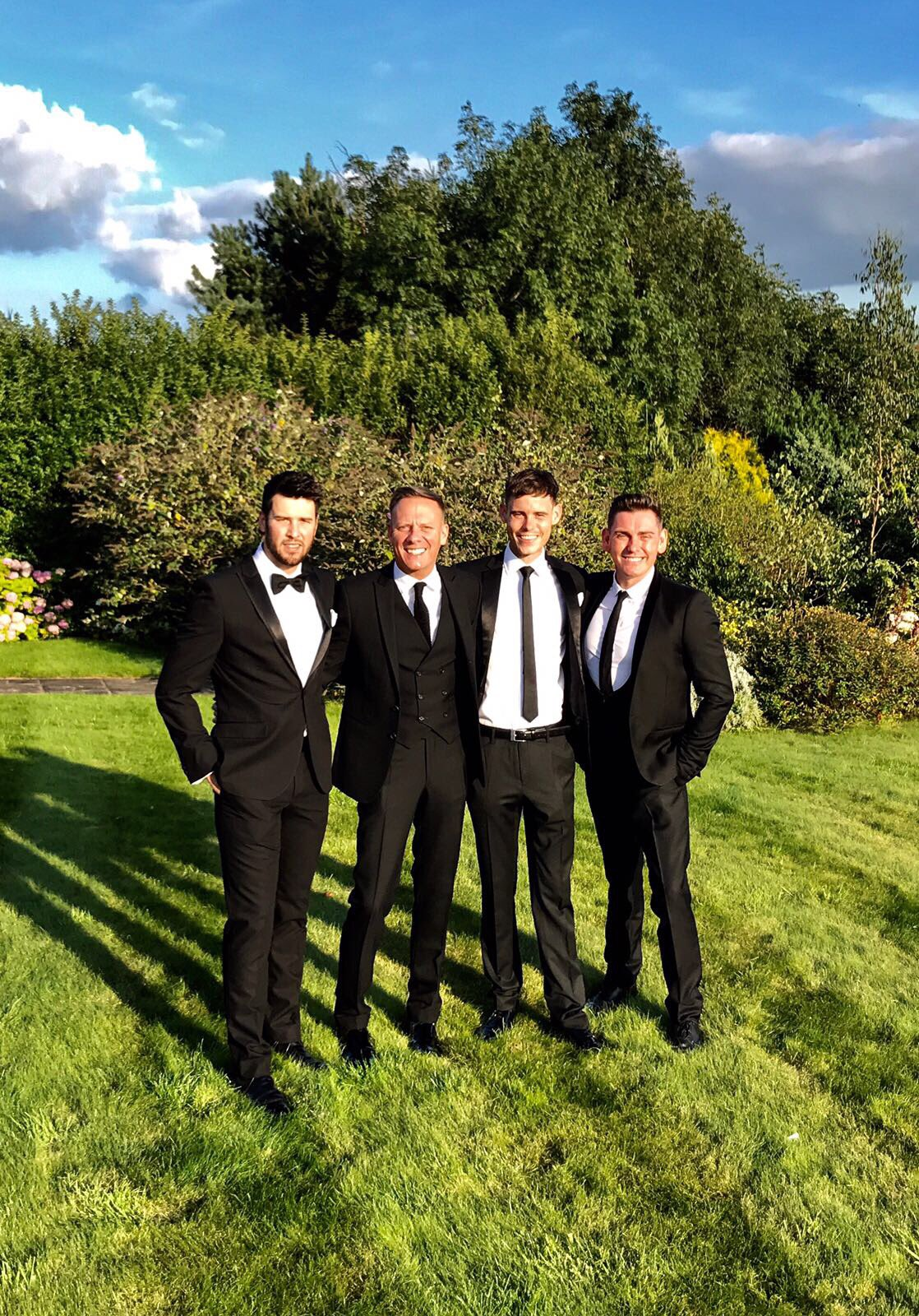 Suited and booted for @dawnward4 and @ashersnine's #cremeball. @ecclestonshire @rossaitchison91 @mickeyb5384 https://t.co/bxMGe4ou4W