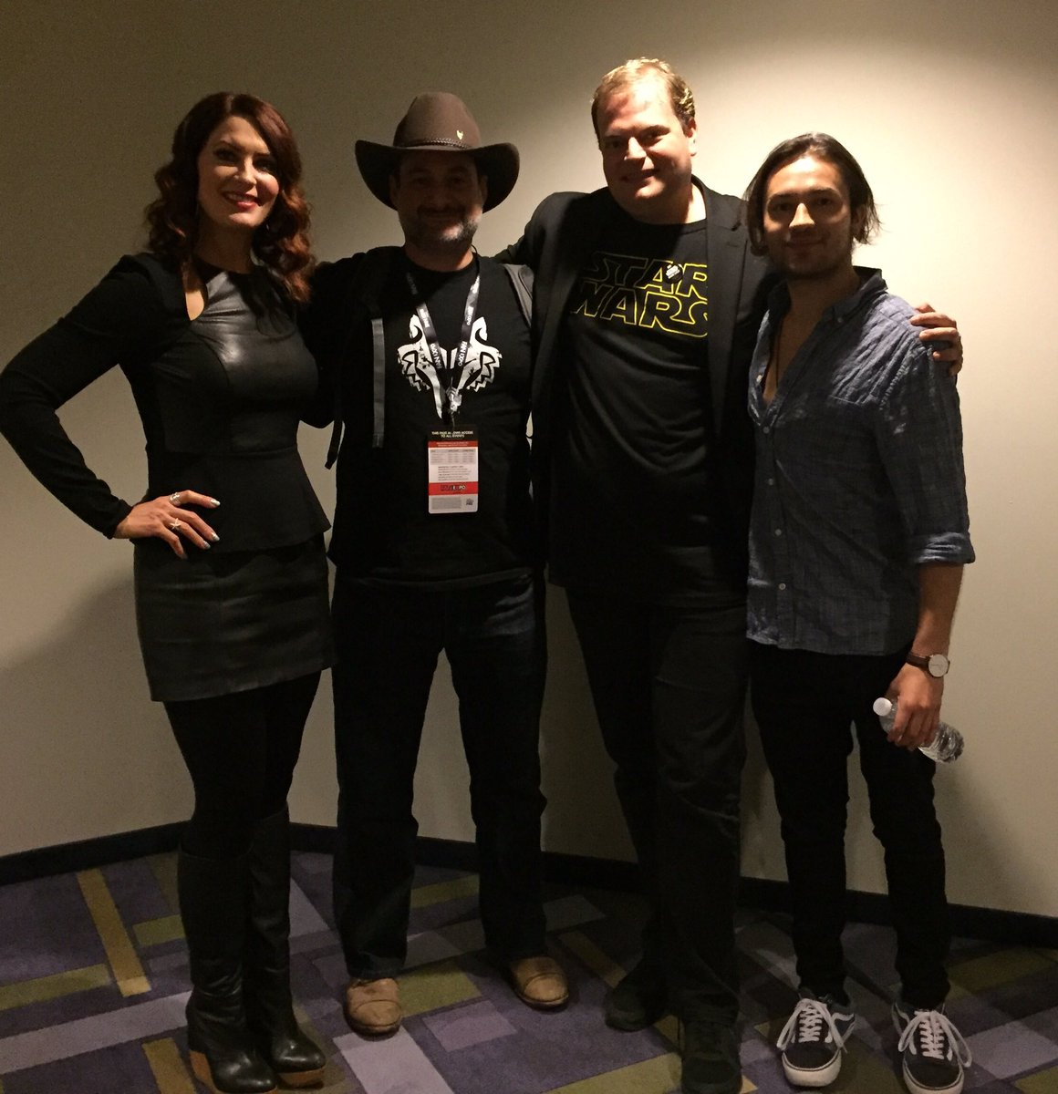 Great panel @FANEXPOCANADA for #StarWarsRebels Season 4! Thanks @Tcann13 @starwars https://t.co/ASImWEts4X