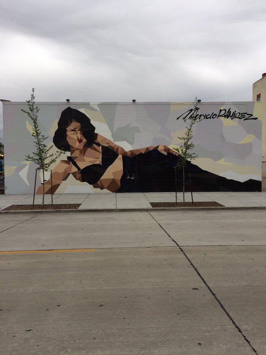 Saw the Selena mural! https://t.co/croiwcFDeu
