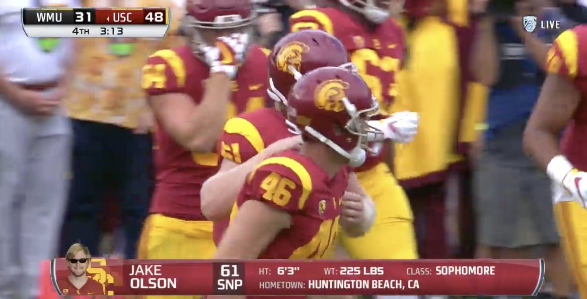 Awesome moment, USC calls timeout and puts in blind long-snapper Jake Olson. Snap was great, XP made. https://t.co/7JU0kT340Y