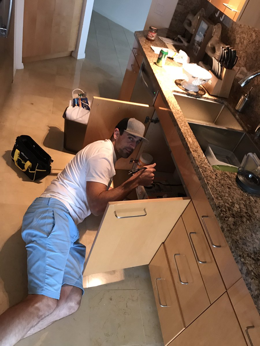 Quarterback by day, mechanic by night. Thanks for fixing our sink @AaronRodgers12 https://t.co/vebkqVnGvt