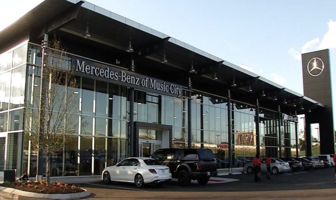 Alabama Playing Tonight In Mercedes Benz Stadium Nick Saban Has A New Dealership Nashville Address 734 Envious Lane