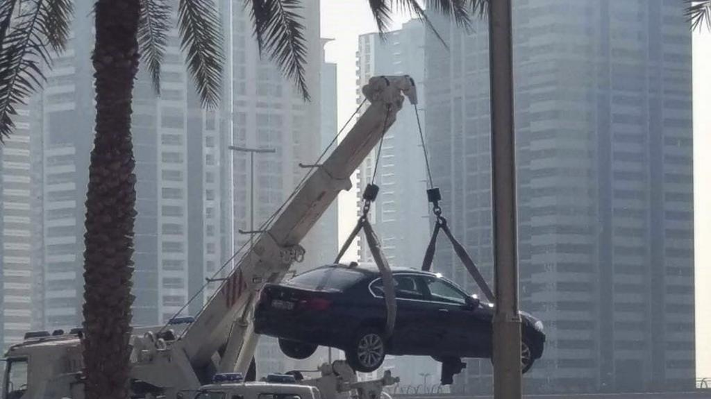 Car drives 500m down Dubai Tram tracks  https://t.co/TIX8iEkXej https://t.co/bNd9BZkSv8