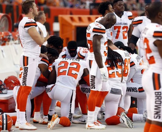 Cleveland police union will not hold flag during Browns' opener, citing players kneeling during National Anthem  https://t.co/w0KU2yuFqc