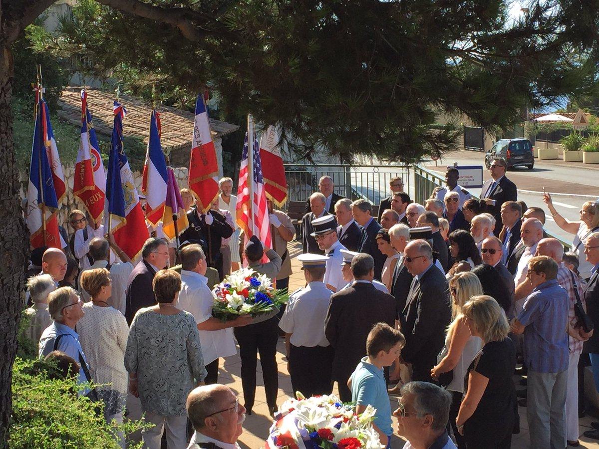 En ce 3 sept., célébrons la #liberation #1944 de #CapDAil. La traditionnelle cérémonie av. #PrinceRainierIII marque le début de la journée. pic.twitter.com/4dW9Q45xDU