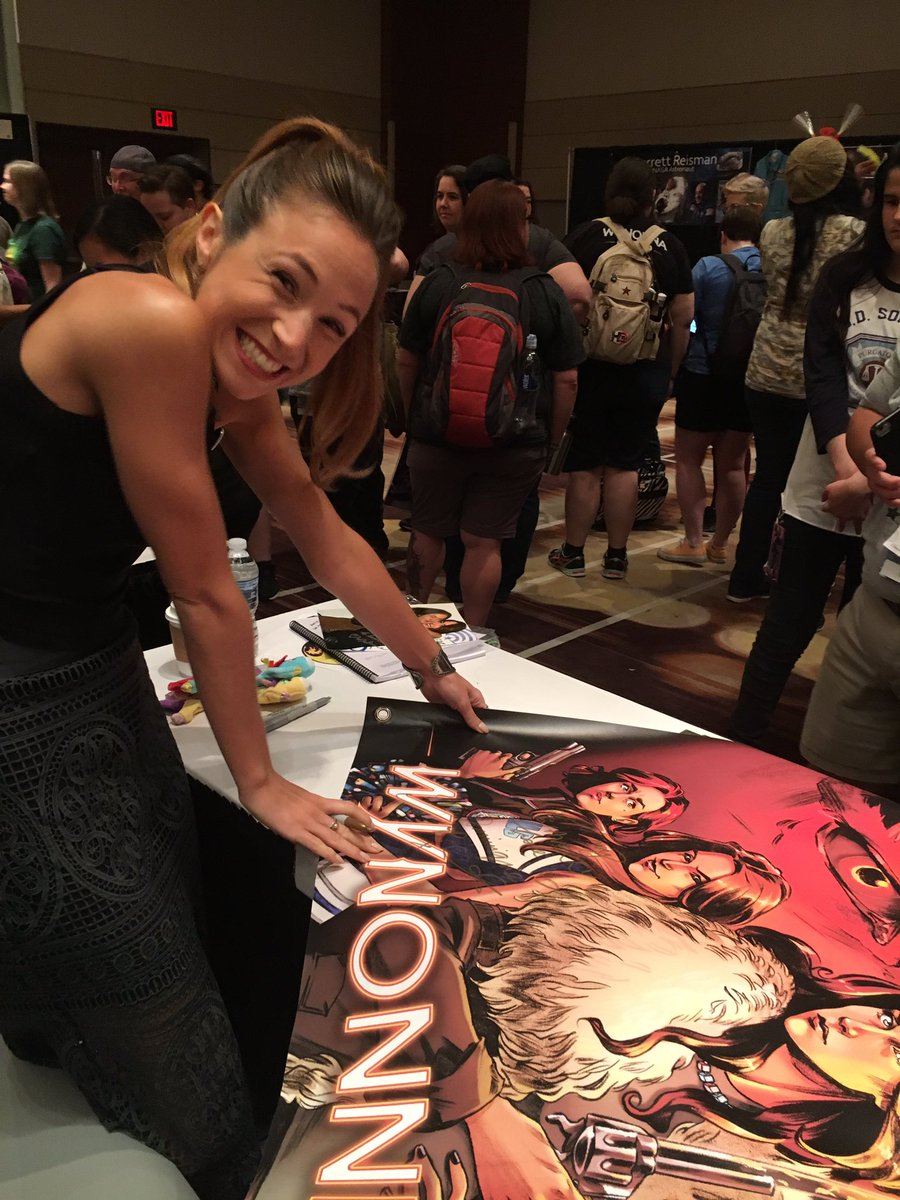 Anyone want to auction another banner off for charity?! We're gonna do it again! #wynonnaearp #dragoncon https://t.co/QIfSBc4mry