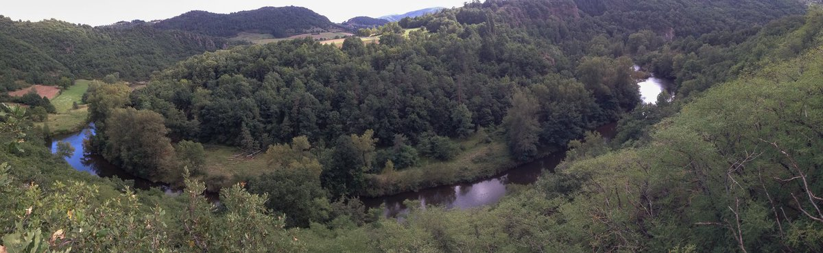 #canoe the #Allier river in the #auvergne #velay region of France in 2018. We&#39;ve just had a fab week exploring the river &amp; area: beautiful<br>http://pic.twitter.com/HAJb50gwCc
