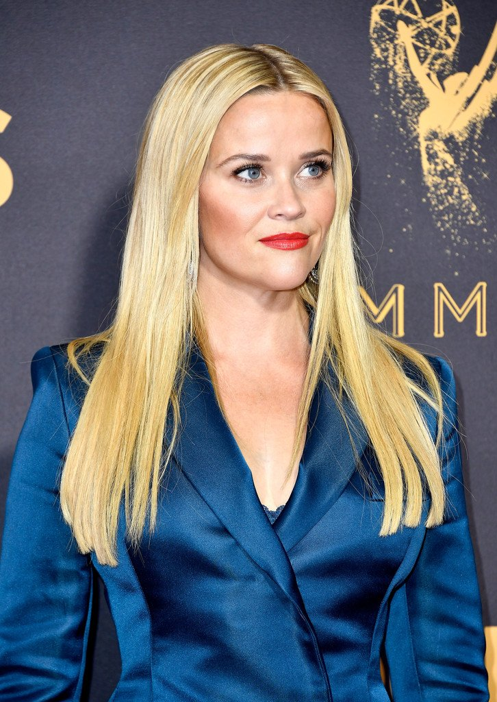 Reese Witherspoon wore a custom teal #StellaMcCartney blazer dress to the 2017 Primetime Emmy Awards. https://t.co/ULs5NnmFRh #Emmys2017