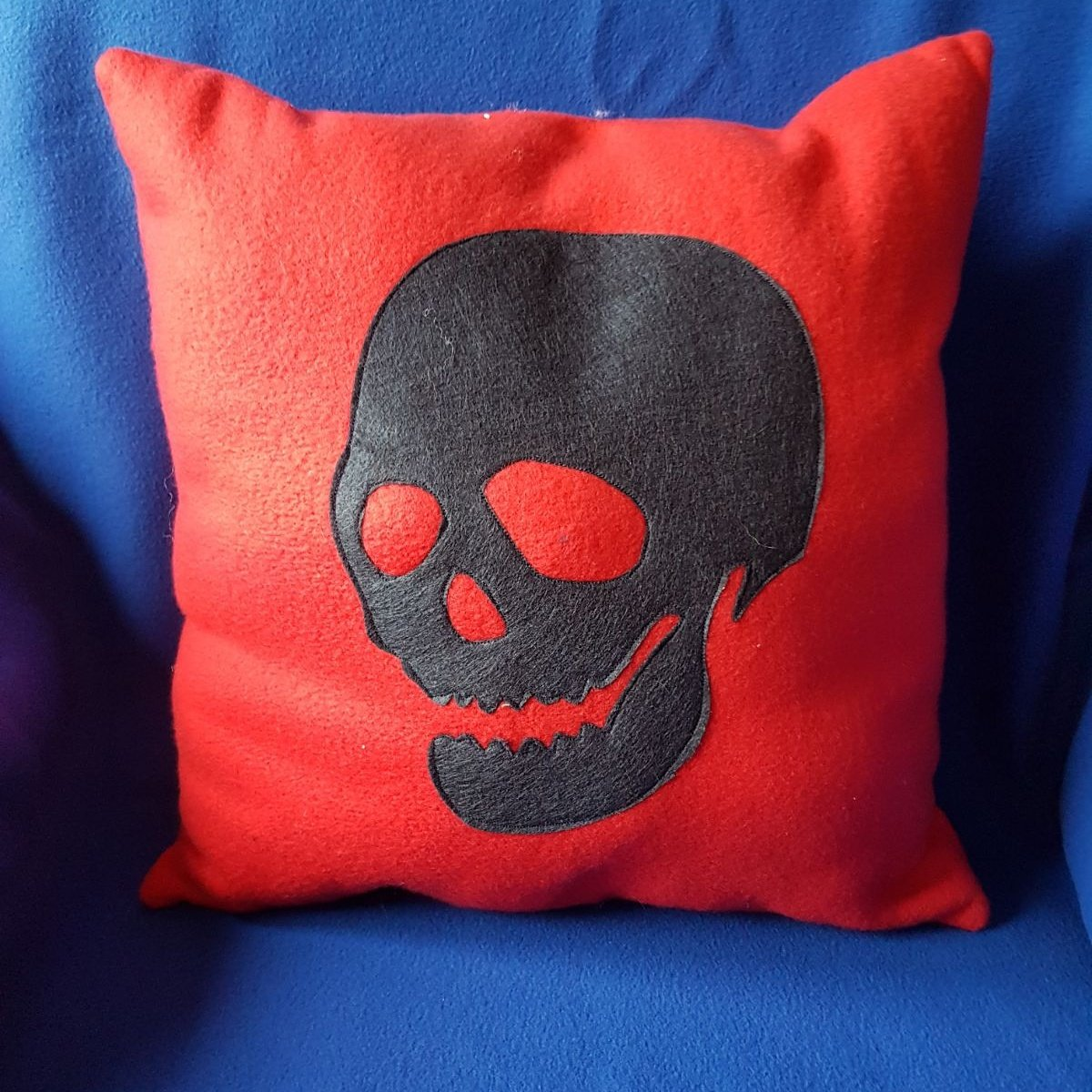 Here&#39;s a funky skull cushion from our new autumn collection.Handmade by us here at Amelia&#39;s Grotto #handmade #skull #autumn #collection <br>http://pic.twitter.com/Lkm0rq00GK