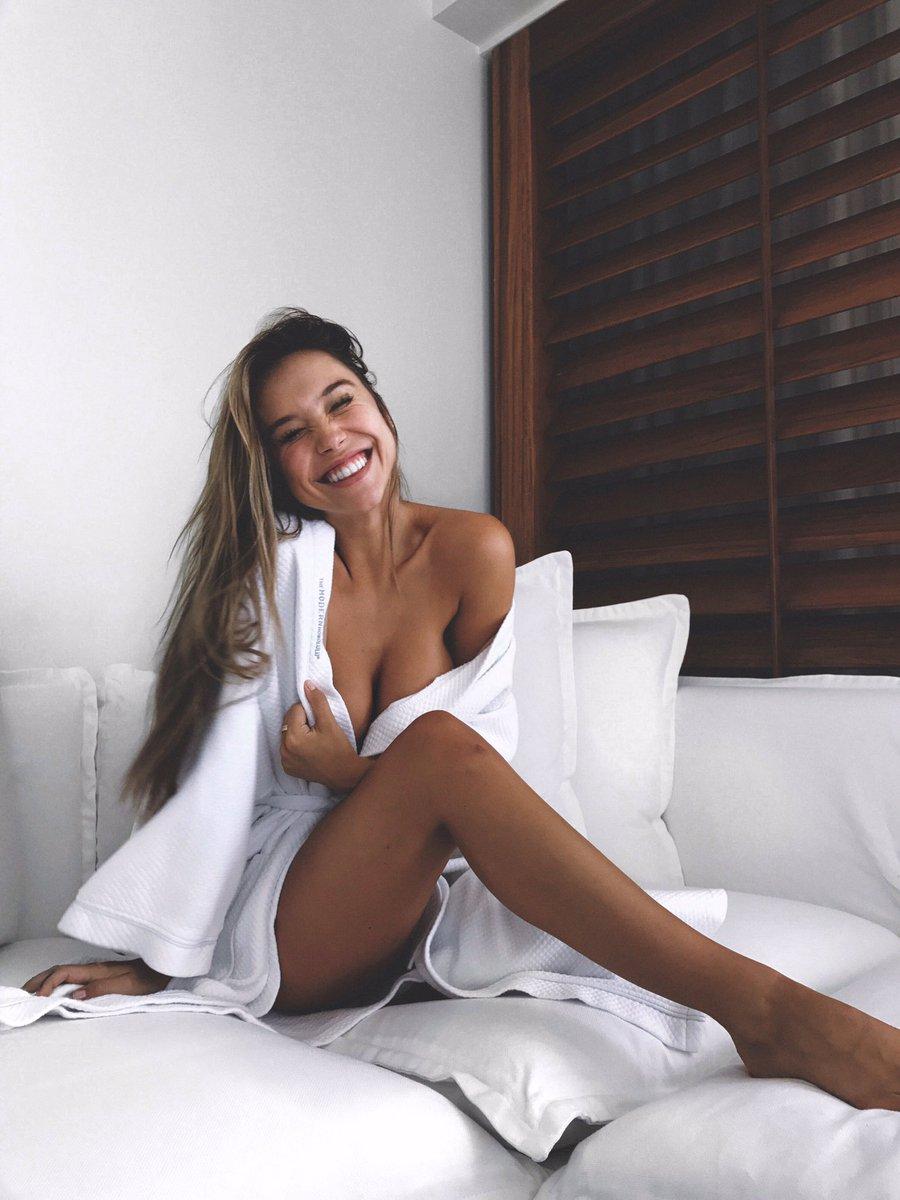 Twitter Alexis Ren naked (79 photos), Sexy, Cleavage, Boobs, see through 2006