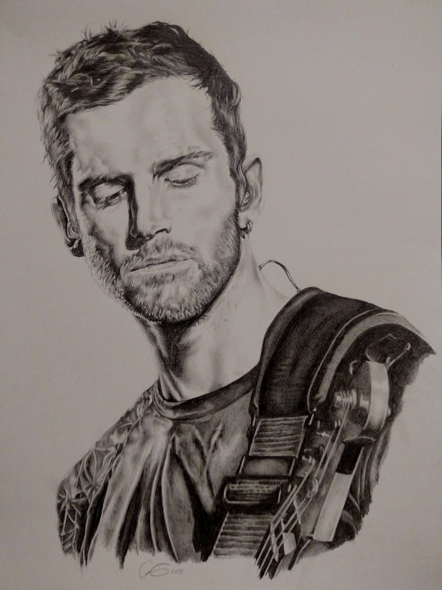 Finished my drawing of @coldplay bassist Guy Berryman. Nice to get back to some art, been a while. #coldplay #guyberryman #graphite<br>http://pic.twitter.com/gSgiMGhl0w