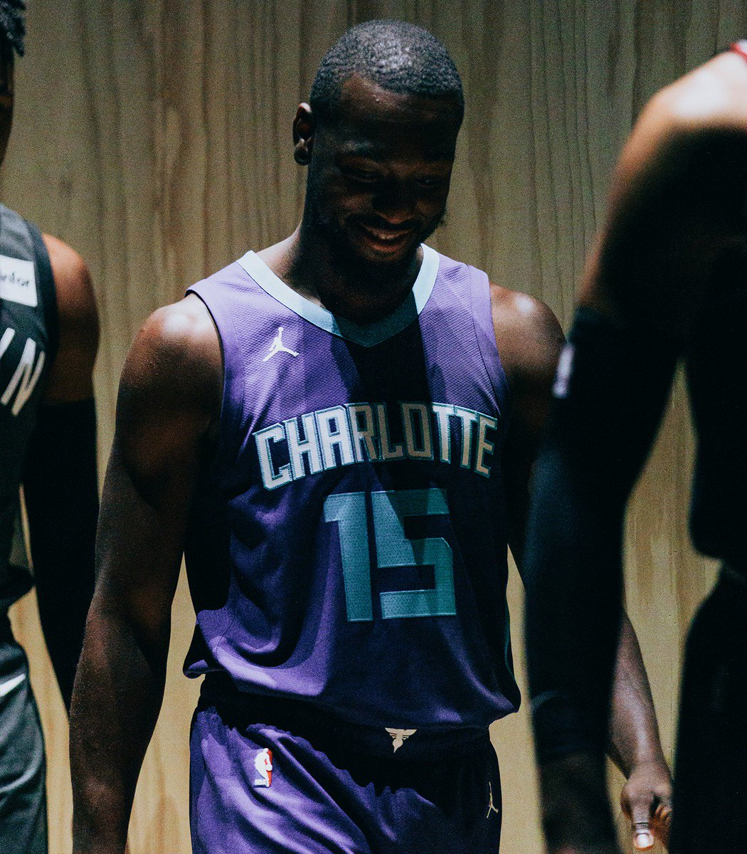 RT Jumpman23: .KembaWalker reveals the Hornets &#39;Statement&#39; jersey with NikeConnect technology. #NIKExNBA <br>http://pic.twitter.com/X53oZ7znUV #NBA #Bas…
