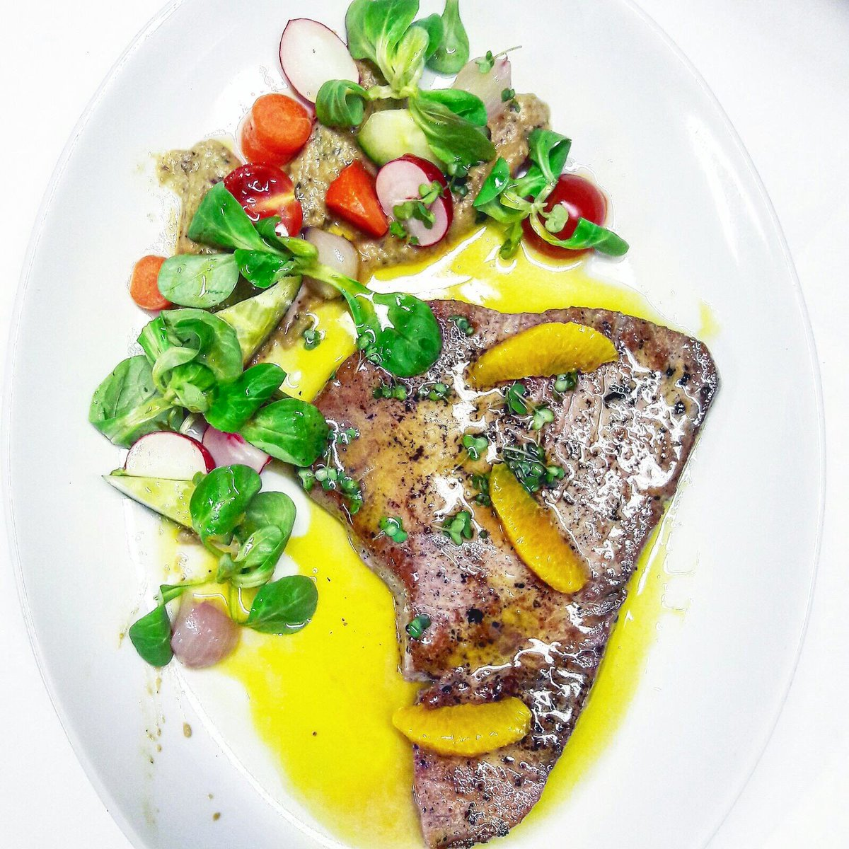 What are your plans for tonight? Can we tempt you with this seared tuna? #dinner #tuna #gourmet #bromley #beckenham #sundridgepark #fish <br>http://pic.twitter.com/ZWnAaJ7nHi