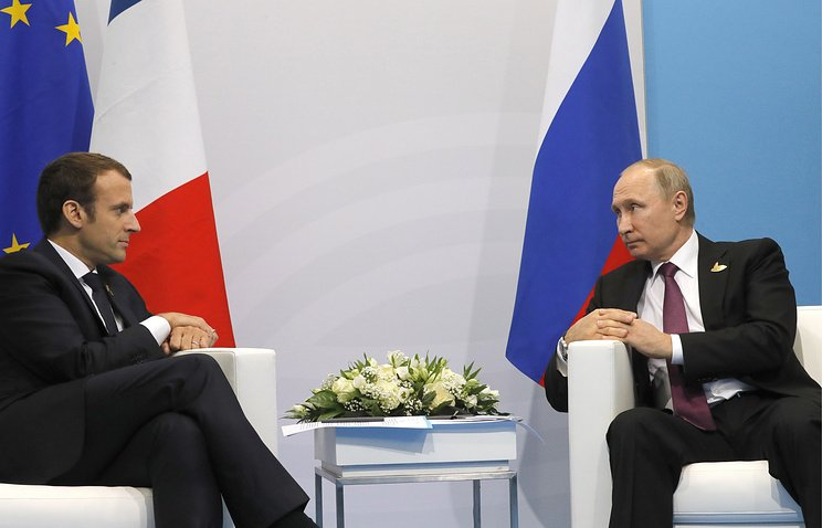 #Putin &amp; #Macron advocated the resumption of direct talks on the #DPRK #NorthKorea @mfa_russia @RusEmb_Korea @KremlinRussia_E @ambruspresse<br>http://pic.twitter.com/peyCtbSGqP