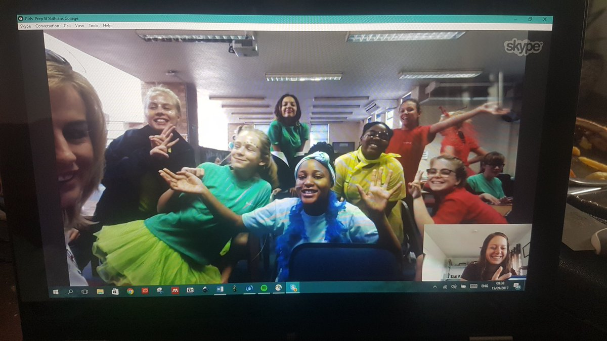 Yesterday, I chatted to these curious students from @ststithians about oocytes, reproduction, and the life of a scientist. #SkypeAScientist <br>http://pic.twitter.com/yFJ3REToKm