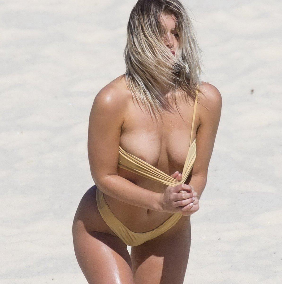beach-bikini-slip-erotic-bubble-butts