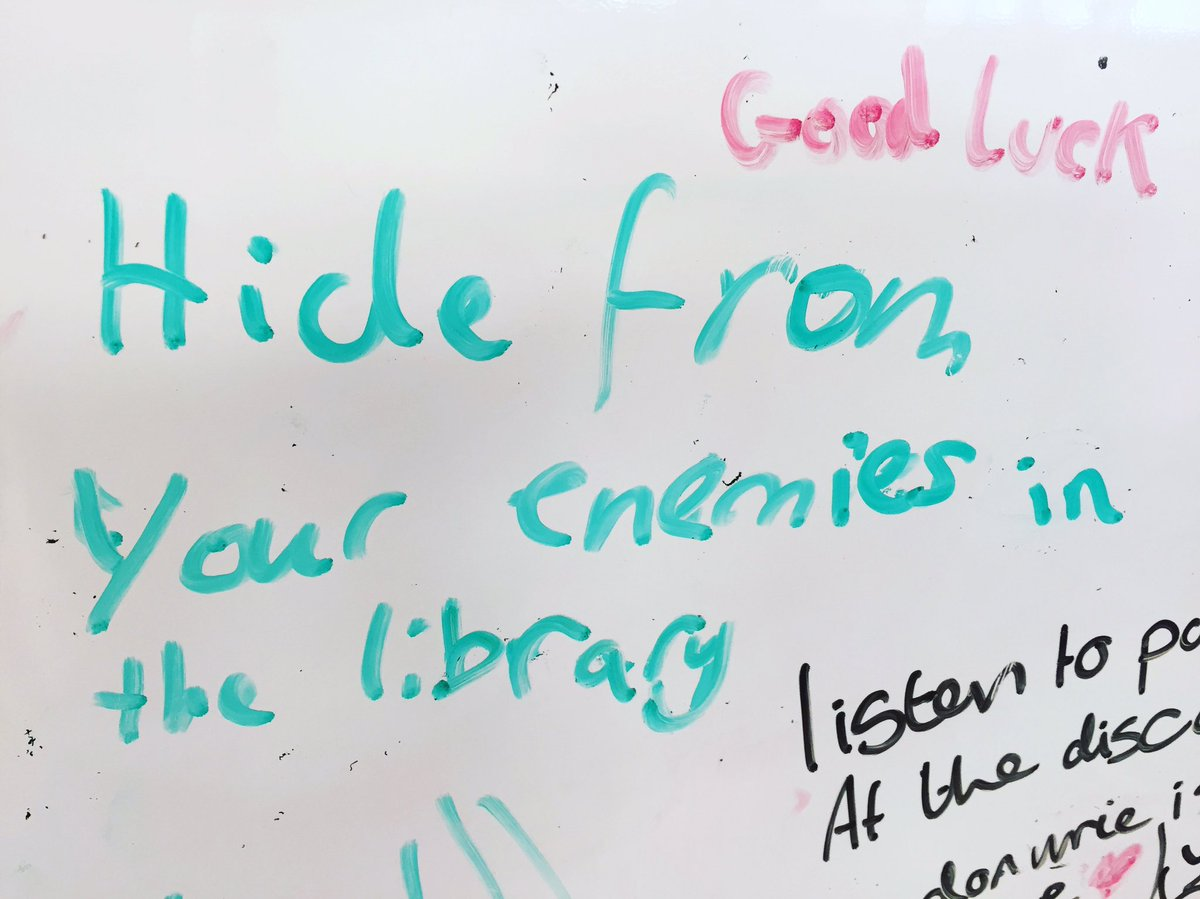 I asked our students to write words of encouragement to our new Year 7&#39;s! #ghsreads #tlchat #librarylife<br>http://pic.twitter.com/VU00QH862C