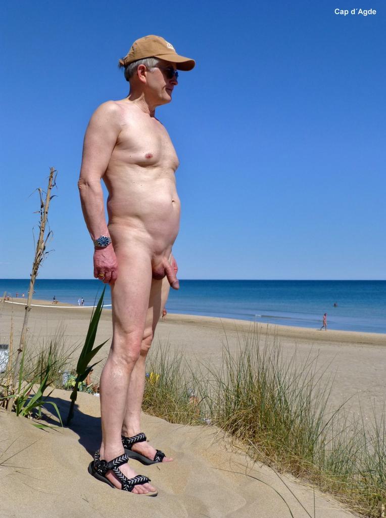 naked Naturiste beach nude