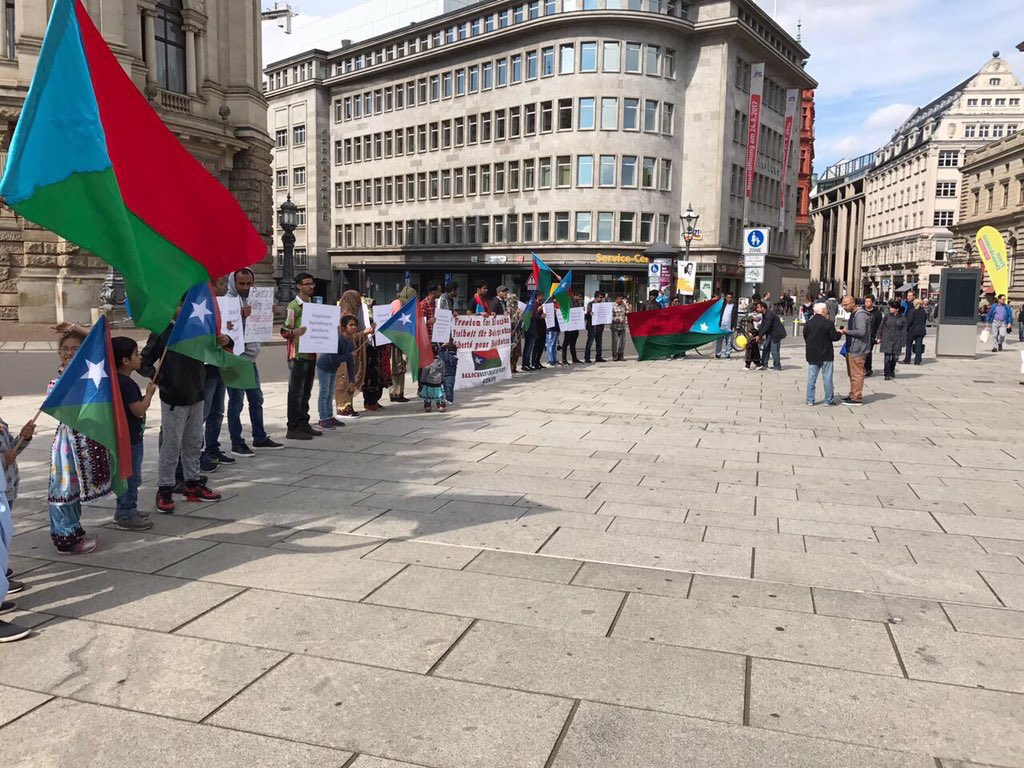 @BRP_Germany held a protest in Leipzig, Germany to highlight #hrw abuses in #Balochistan by Pakistani Government, killing innocent everyday<br>http://pic.twitter.com/AdrreDZ8EA