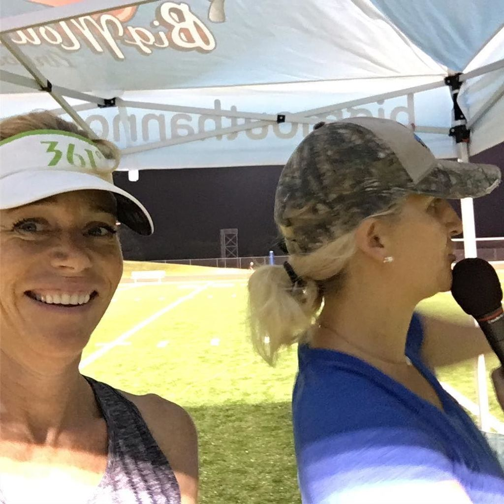 The BMA ladies rocking the mic this morning for the Cedar Park XC Invitational. #runwithwolves  http:// ift.tt/2wwYAkH  &nbsp;  <br>http://pic.twitter.com/3KqF7LQkOx