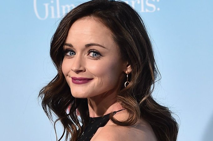 Happy birthday Alexis Bledel.