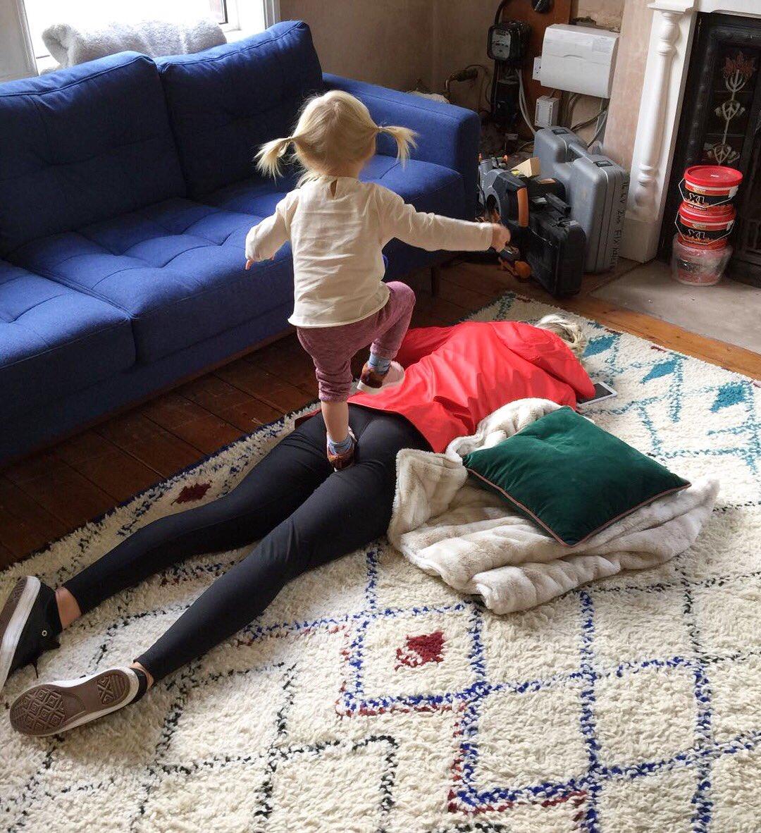 Happy weekend 🙈🤦🏼♀️ #kids #weekend #littlenap #ouch #parentproblems https://t.co/0j6bJG3Fbl