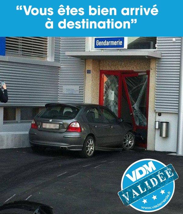 C'est par où le service des PV ? Au fond ? #VDM #VDMphoto #viedemerde @Gendarmerie  https://t.co/exbfREnVo9