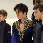 イタリアで観客の心をガッチリつかんだ宇野昌磨選手。少年少女に囲まれる場面をよく見かけました。スポーツ…