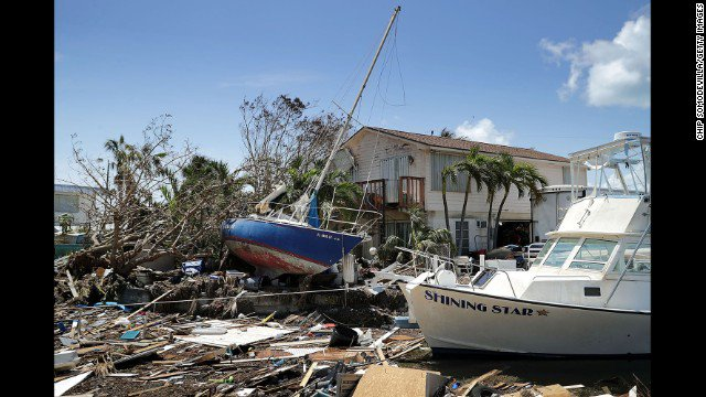 Florida Keys residents are being allowed to return home to assess damage from Hurricane Irma https://t.co/HUU9U5Y1P4 https://t.co/2yGvtQxIgZ
