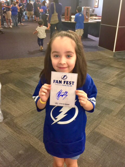 My daughter's first @NHL autograph. Thanks @RealStamkos91 and @TBLightning! #BoltsFanFest