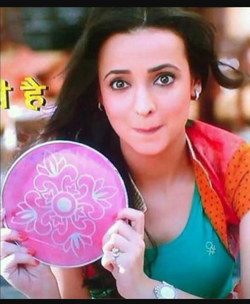 Happy birthday sanaya Irani wish all the best for you and your family
