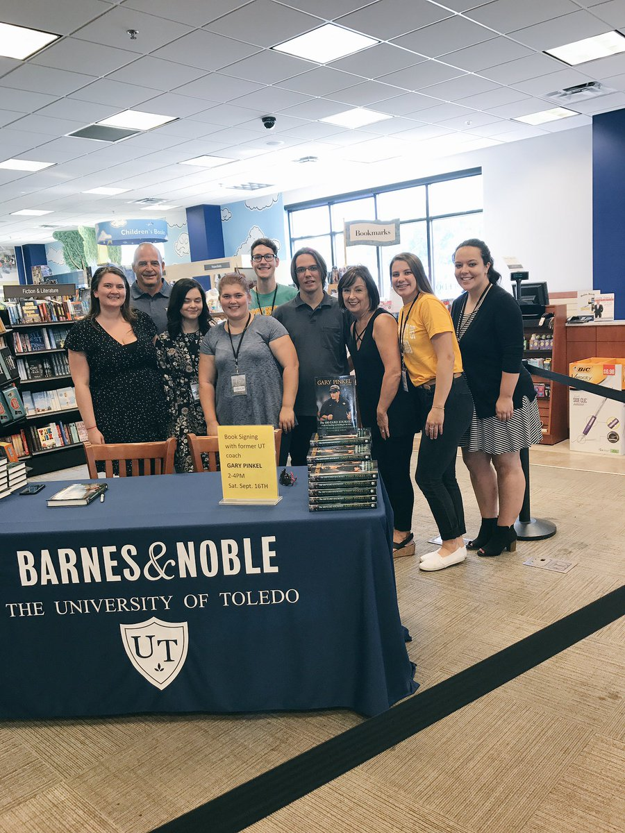 Utoledo Bookstore On Twitter Barnes And Noble Is Squading Up With