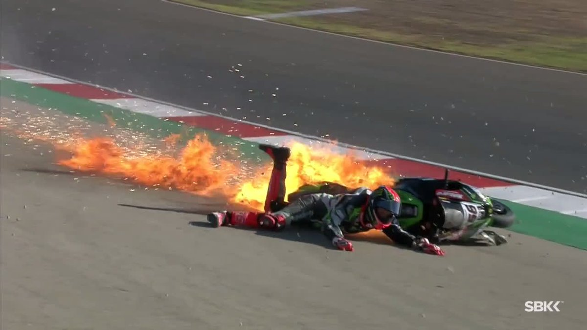 Dramatic crash for @TheRealTomSykes this morning in FP3!