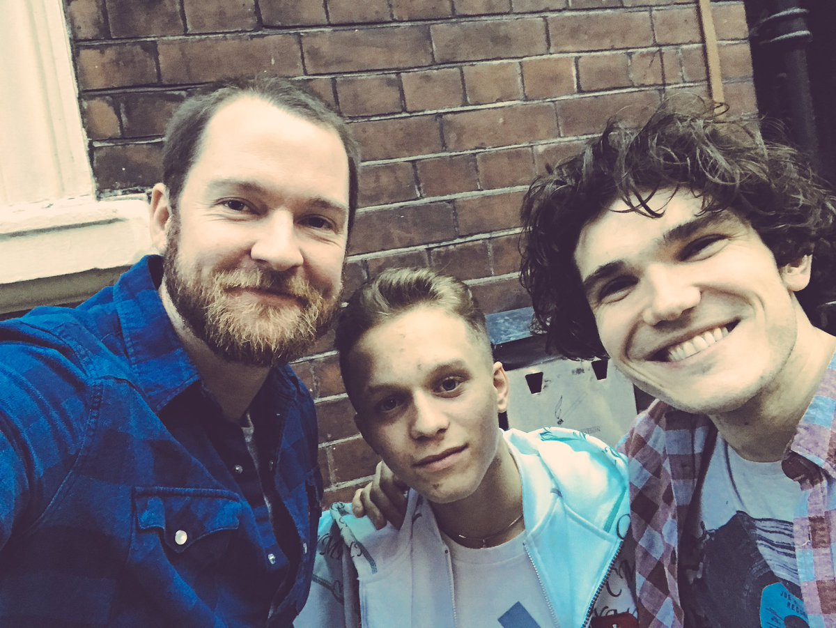 Mini #LesMisMovie reunion today. Happy 18th #DanielHuttlestone. #GavrocheAllGrownUp https://t.co/FfvLOQ0nZR
