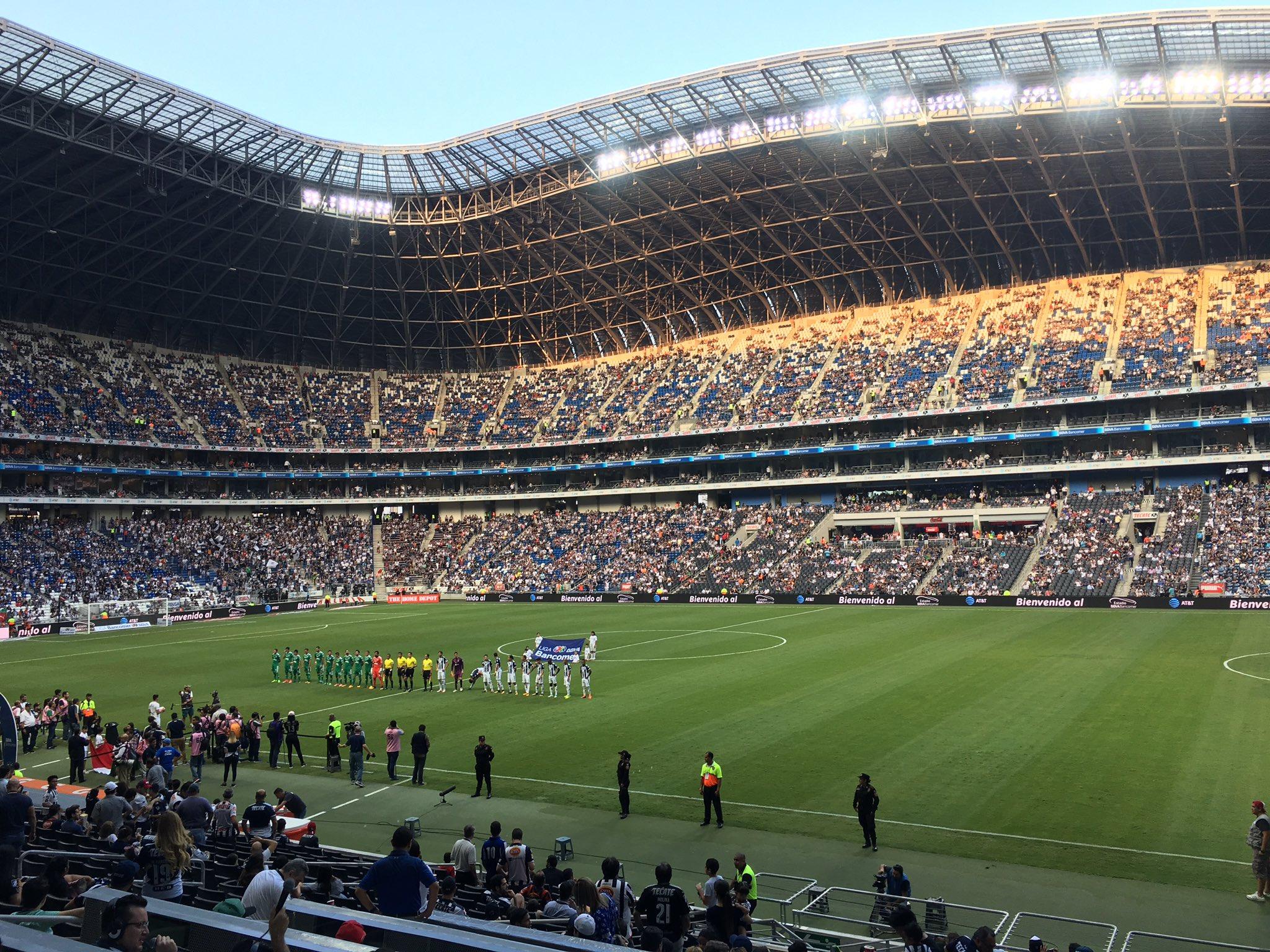 Monterrey vence 2-1 al Atlas