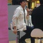 こういう椅子の足の置き場に迷う人👞#秋田イオン#ダイハツ pic.twitter.com/ffmGF…