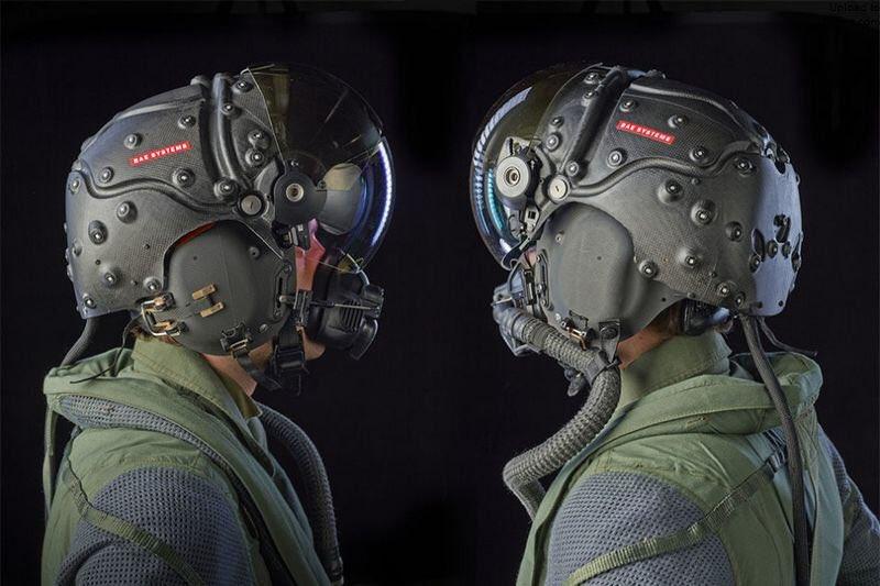 军用飞行员头盔的人机交互界面设计:3D音频技术还有个有趣应用,那就是让飞行员能听到来自任何方向的通话,如果左侧僚机飞行员和他通话,他能听到声音从左边传来,如果是右侧僚机,他就能听到声音来自右边,如果是地面通讯,那么声音就来自下方,如果与上方的预警机通讯,声音就来自上方 https://t.co/O6J2x8VOGw 1