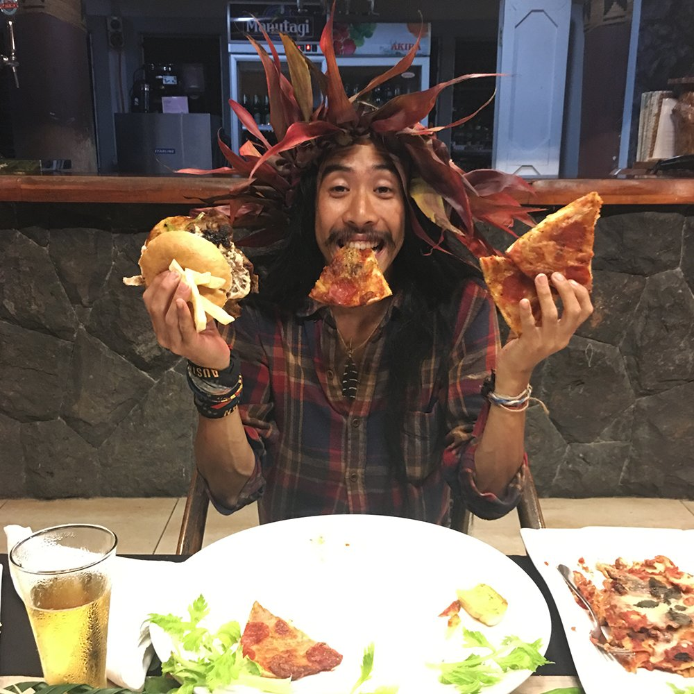 Farwell Jarrad. Enjoy ALL OF THE FOOD 🍔🍕😋 #SurvivorAU https://t.co/NX1...