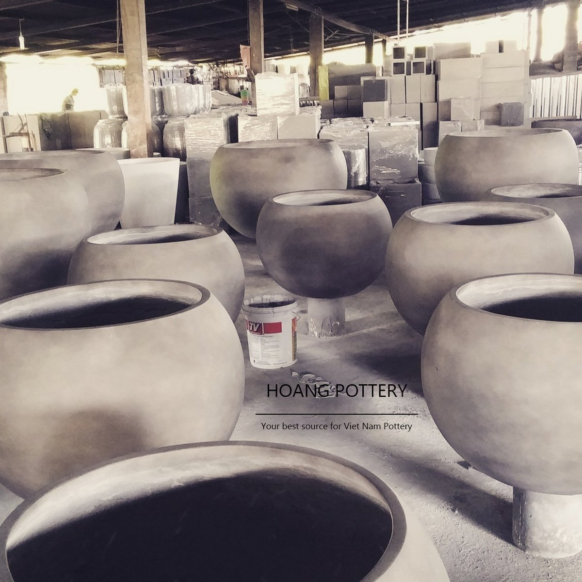 #Raw #Cement #planters at #factory  Wish you all have a good #weekend!  #vietnam #pottery #potterysupplier #handmade #decor #decoration<br>http://pic.twitter.com/1XbYDH78Ah