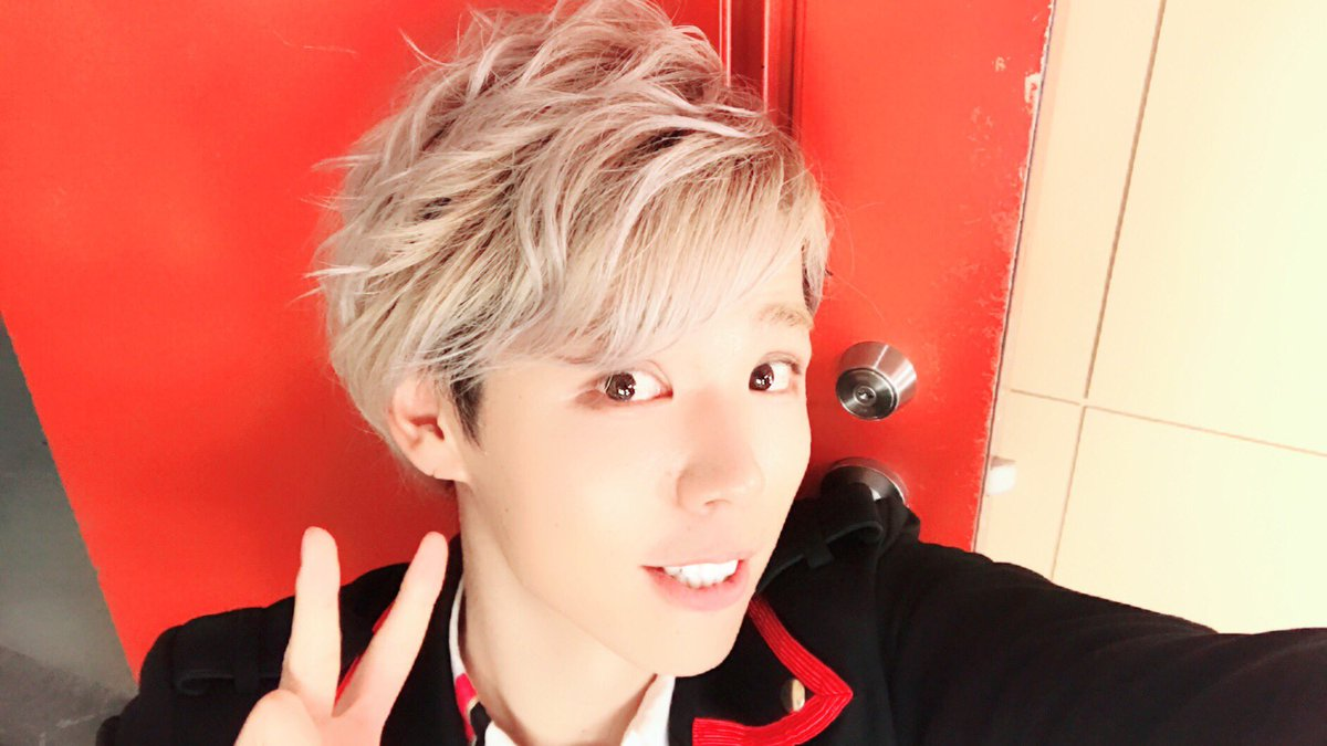 XYZツアー名古屋公演無事終了! いつもと違ってパーマ風のヘアメイクにしてもらったよ〜✌︎(&#39…