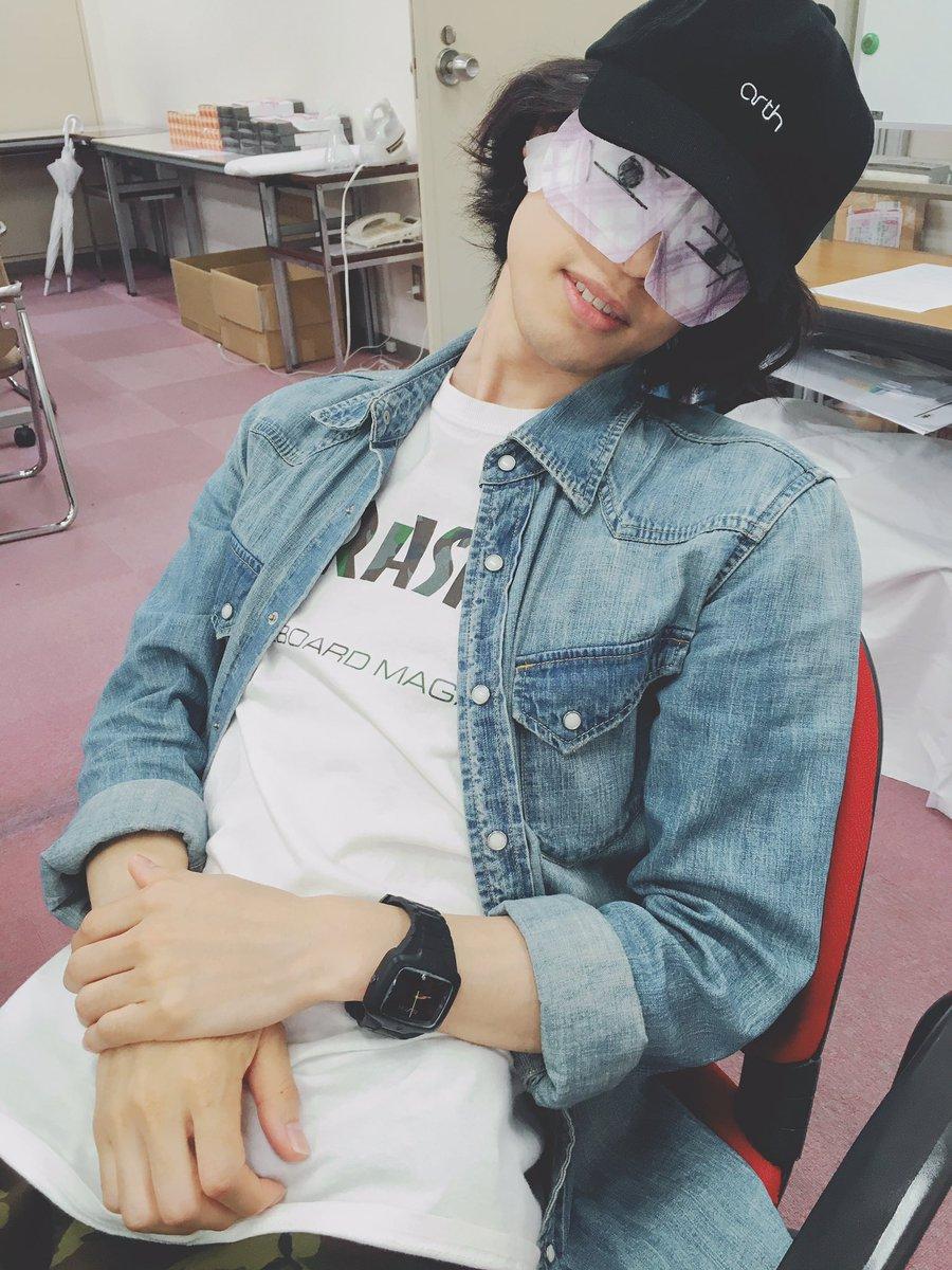 束の間の休憩。 ただでは寝ない男、沢城千春。