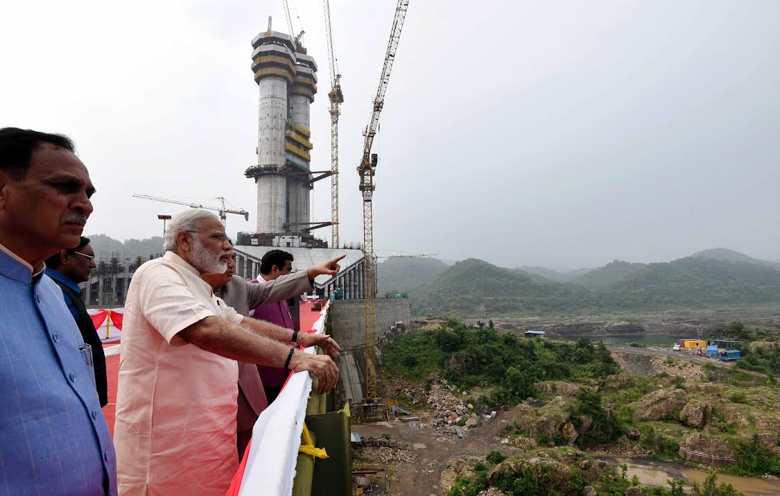 Prime Minister inspects progress of 'Statue of Unity' on his birthday