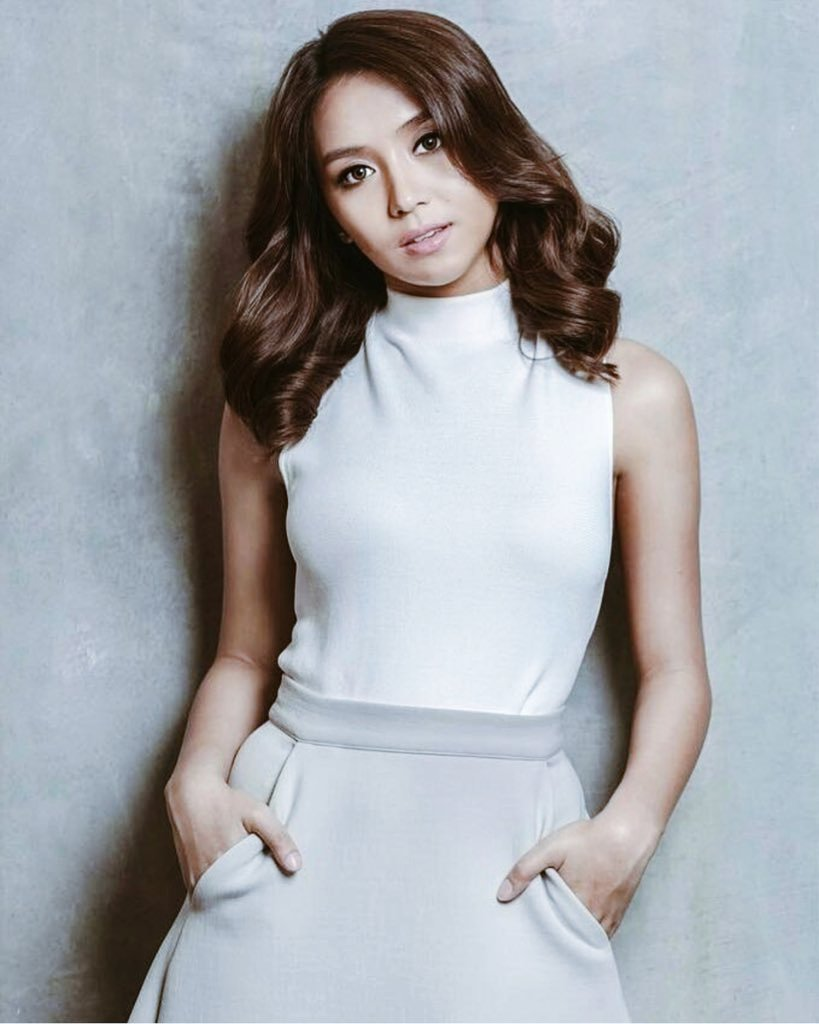 Wait! She really can slay my whole damn existence! How did you dare? 🙁💙💙  #PushAwardsKathNiels